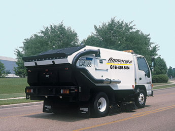 A4000 Parking Lot Sweeper and Street Sweeper